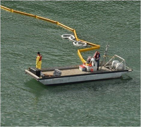 Lee County negotiating contract with vendor to clean up algae